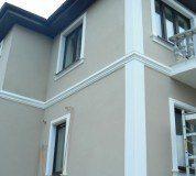 Украшение зданий элементами из пенопласта