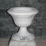 Малый вазон на подставке