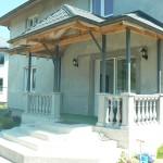 бетонные перила и балясина на веранде
