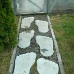 фотография плитки для тропинок «следы великана»
