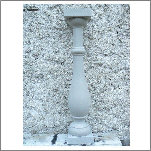 Балясина из бетона классической формы со стаканами