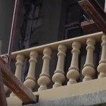 Монтаж ограждения балкона с балясинами
