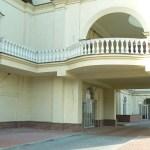 Балясины из бетона, установленные на балконе