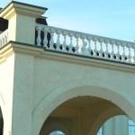 Оригинальные балясины, установленные в казино Sobranie