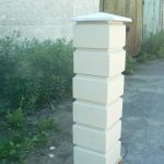 готовый столб из бетонных блоков