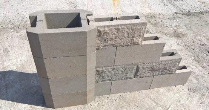 монтаж забора из бетонных блоков